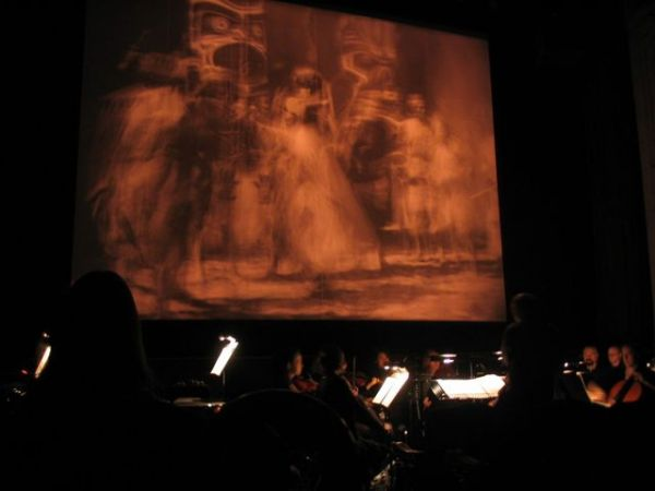 Live performance of the film at the Moore Theatre [BE]